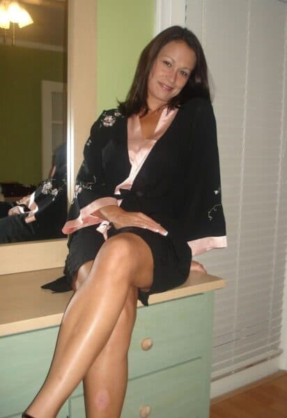 Jolie coquine sexy qui a besoin d'un plan baise